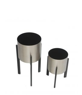 Trendy metal Planter- Set of 2